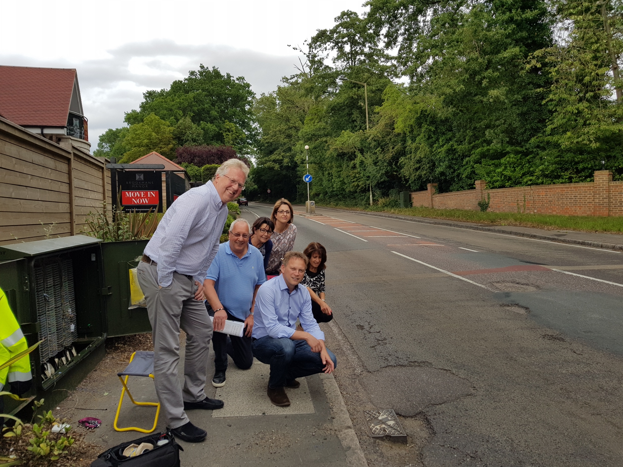 Grant meets local residents over A1000 potholes