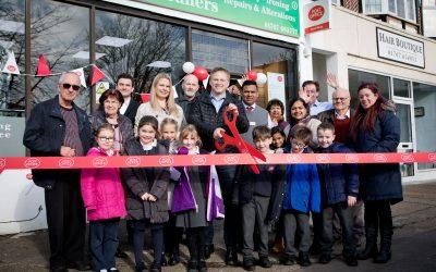 Welwyn Hatfield MP opens new Brookmans Park Post Office