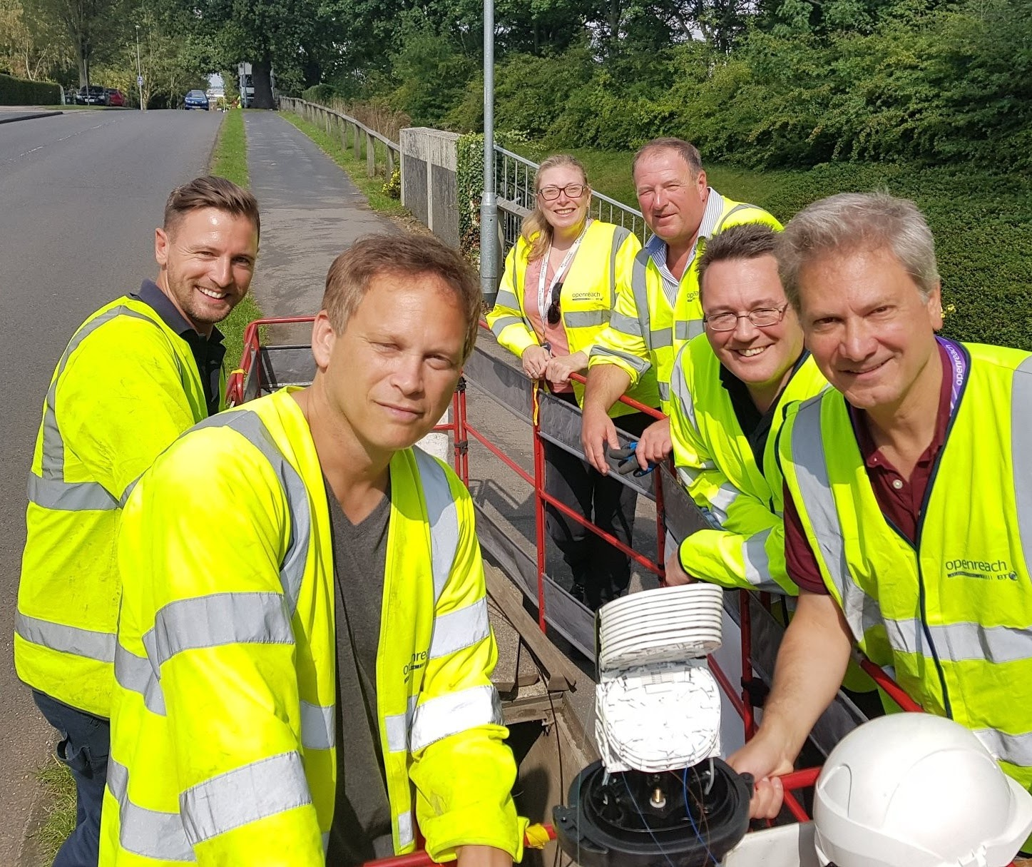 Grant helps Openreach volunteers connect Southfield School to fibre