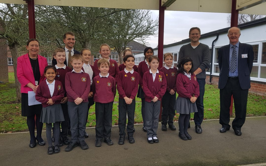 Grant visits Welwyn primary school to meet School Council